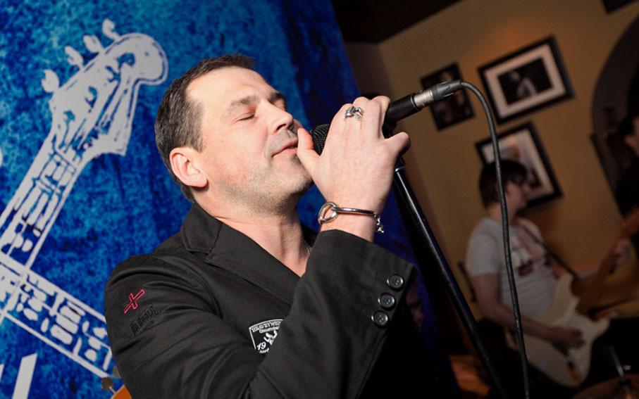 Фотографии группы ВИА The Champions в Rock 'N' Roll Баре